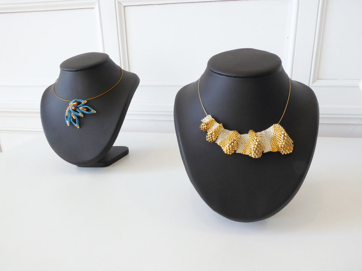 Sabine Halm - Madrigal, créatrice de bijoux textiles et dentellière - photo JY Le Dorlot
