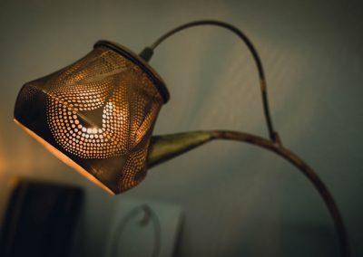 Luminaire fait de dentelle en métal