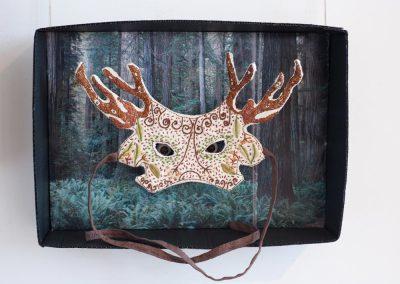 Anne LE DORLOT Terre fil et papier, masque végétal