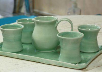 Pot et verres en grés, réalisation Bénédicte VAN PARYS, Au gré de la maison, Céramiste