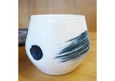 poterie en porcelaine, blanche et bleue