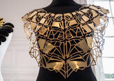 bustier en laiton, création Marie-Paule THUAUD, Créatrice de bijoux