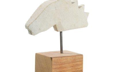 « Cheval 180906 », calcaire de Paussac sur socle bois, tige métallique