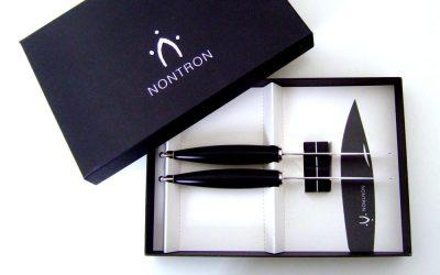 Duo de couteaux de table. Design Olivier Gagnère.
