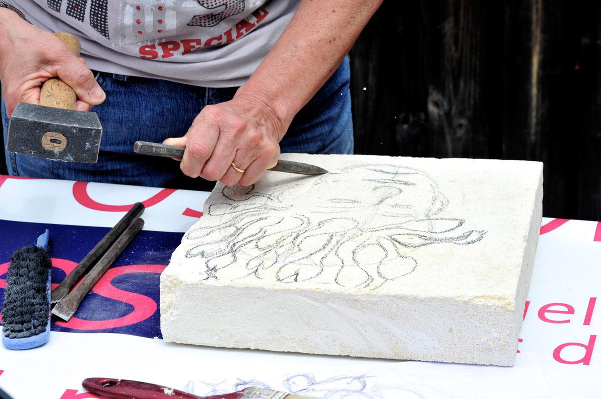 cours-metiers-art-nontron-sculpture-sur-pierre