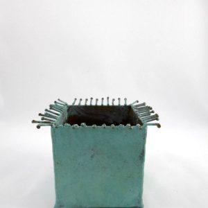 Pot à cactus en laiton patiné