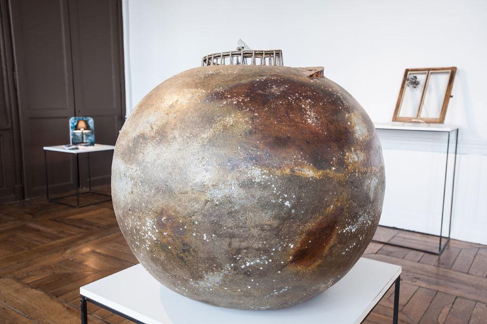 Boris Cappe, céramiste, Planète en grés cuisson anagama