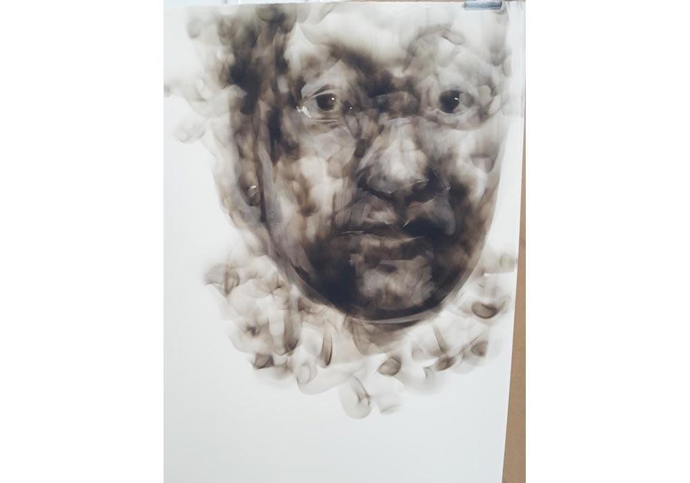 Performance dessin à la suie par Diane Victor au Pôle métiers d'art de Nontron - 2019