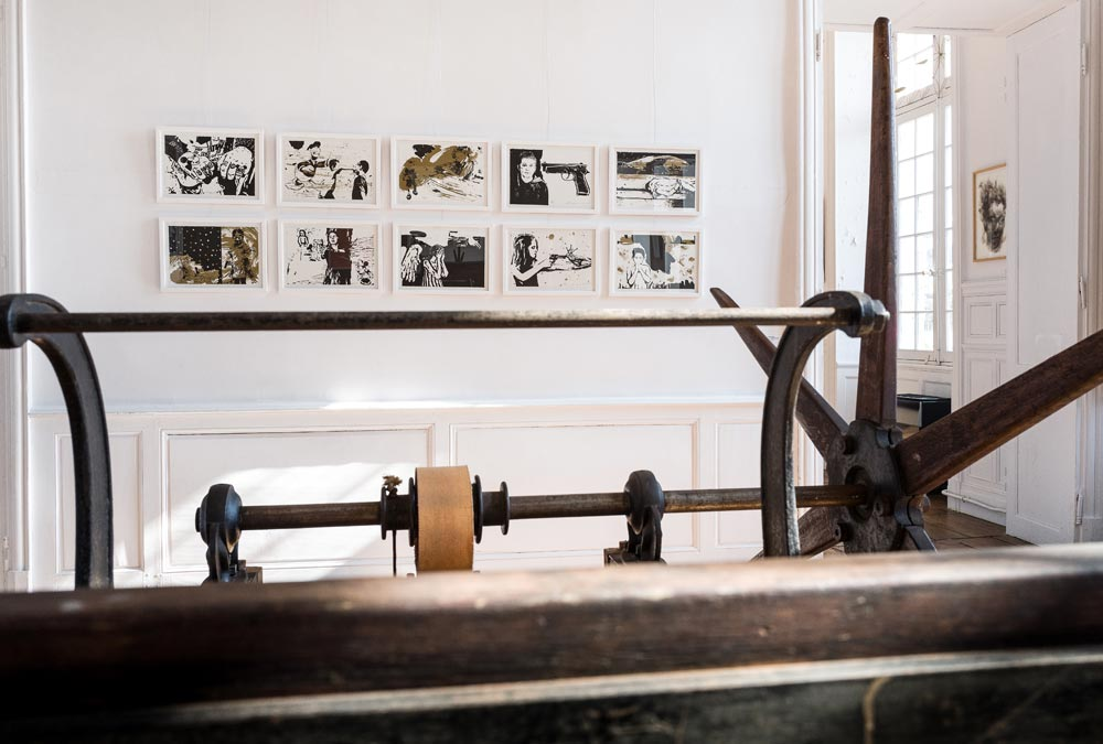 "exposition ""Grand Village - Lithographies et tissages"" - œuvres de Nina Kovacheva- photo JY Le Dorlot"