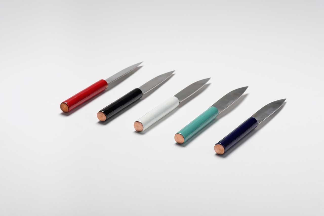 Couteau Nuance, design Studio Monsieur Avec Natacha Baluteau, émailleuse d'art (Limoges) et Michel Lemans, coutelier-forgeron (St-Estèphe)