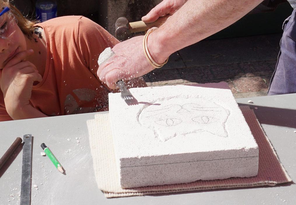cours-sculpture-sur-pierre-Pierre-Carcauzon