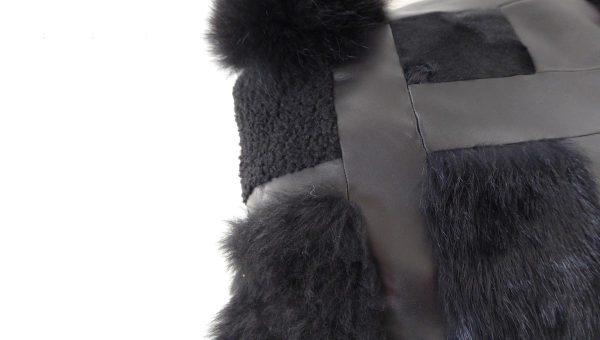 Coussin-cuir-noir-brigitte-paillet