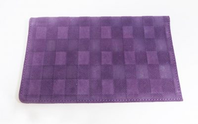Porte-cartes et chéquier violet