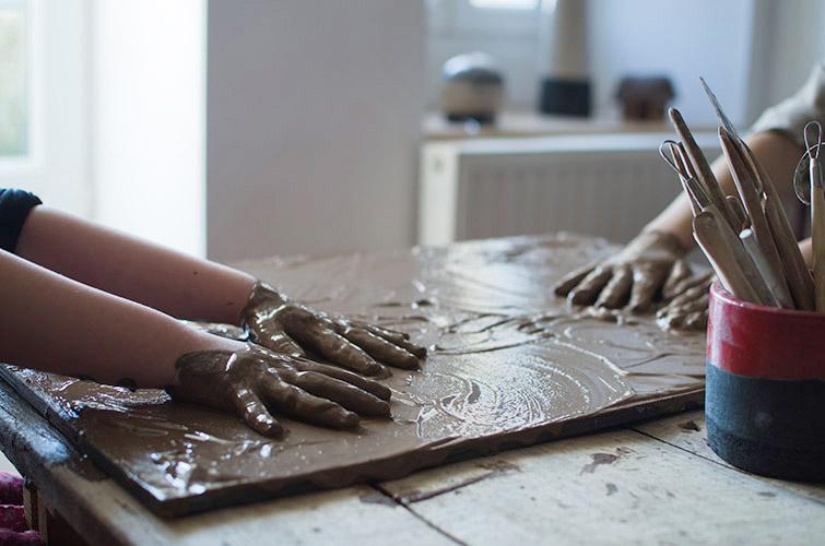 Cours pour enfants, céramique avec Marie-Laure Guillon